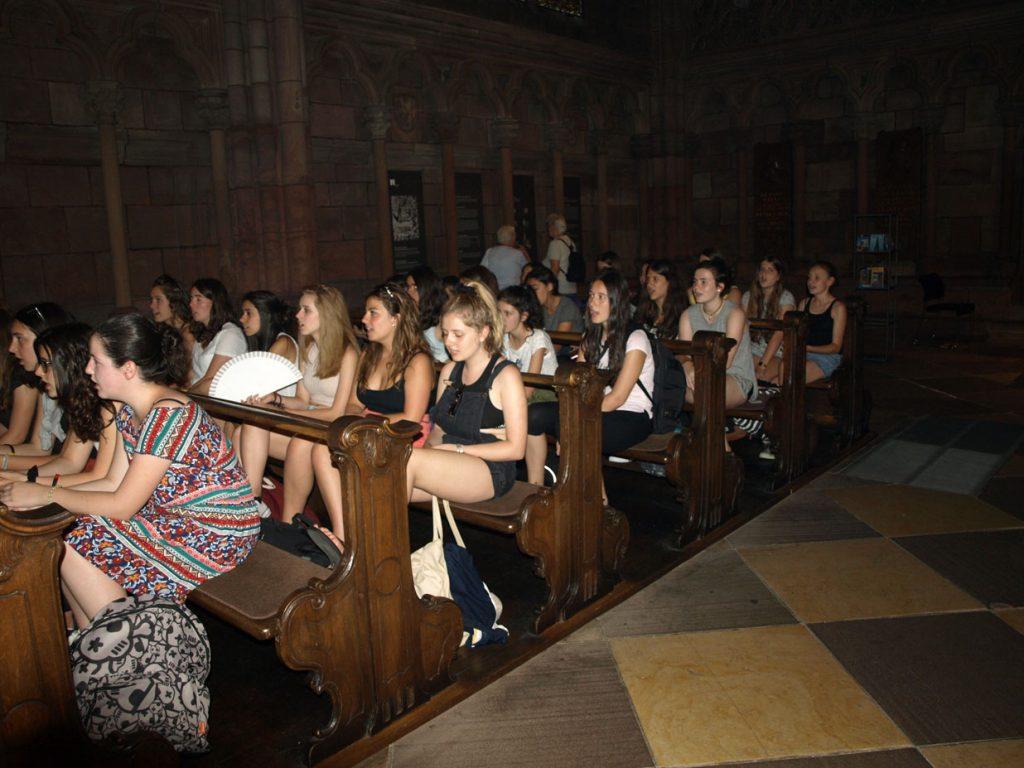Friburgoko katedralean abestu dugu